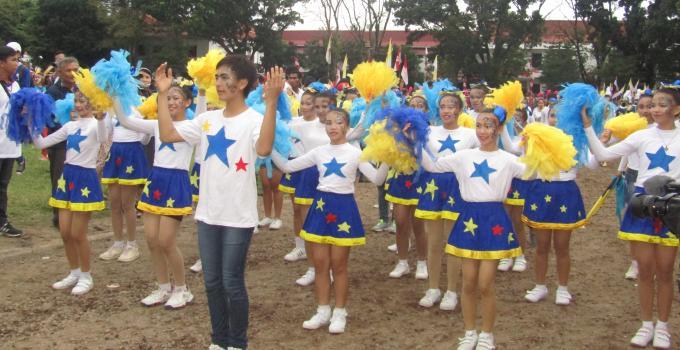 Penampilan marching band SMP Katolik Gonzaga Tomohon