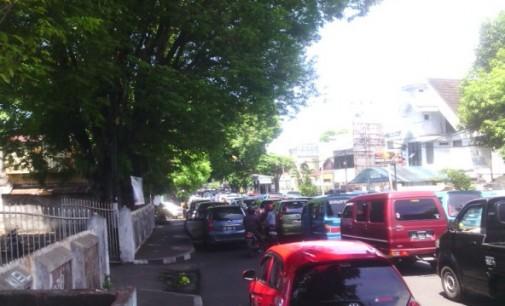 Jam Pulang Sekolah Hindari Jalan Sarapung, Ini Alasannya