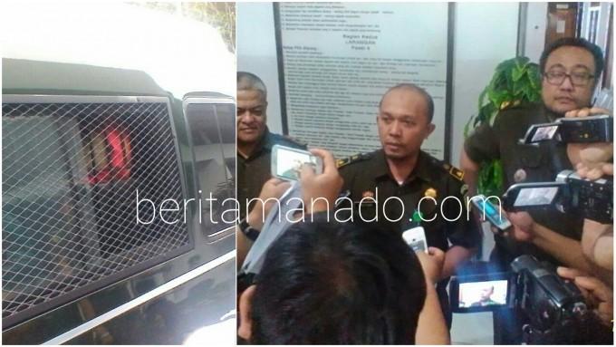 FRB ketika berada di mobil tahanan dan tim penyidik Kejaksaan Negeri melakukan konfrensi pers