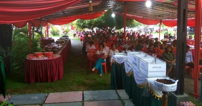 Suasana ibadah pengucapan syukur di rumah Wawali Bitung
