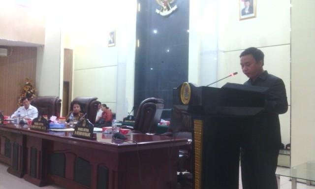 Pemandangan keenam fraksi PAN, oleh Bambang Hermawan.