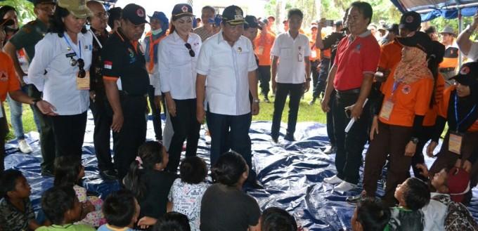 Walikota ketika meninjau lokasi Posko Induk bencan tsunami