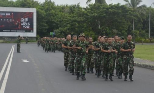 Prajurit Korem 131/Santiago Lari di Kawasan Mega Mas Karena Ini