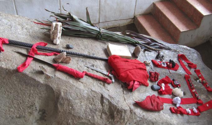 Bahan dan alat untuk ritual