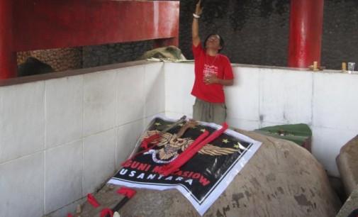 BERITA FOTO I : Ritual di Watu Pinawetengan