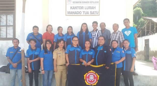Pengurus Karang Taruna yang dilantik bersama Lurah Manado Tua Satu dan Bendahara Karang Taruna Kota Manado.
