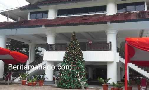 JIPS Hadirkan Suasana Natal di Kantor Gubernur Sulut