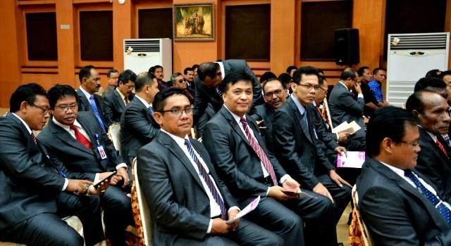 Bart Assa di antara para peserta Pendidikan dan Pelarihan PIM Tingkat II di Surabaya