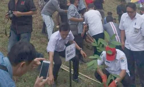 Wakili Bupati, Wabup JOPPI LENGKONG Tanam Pohon di Manado-Minut Interchange