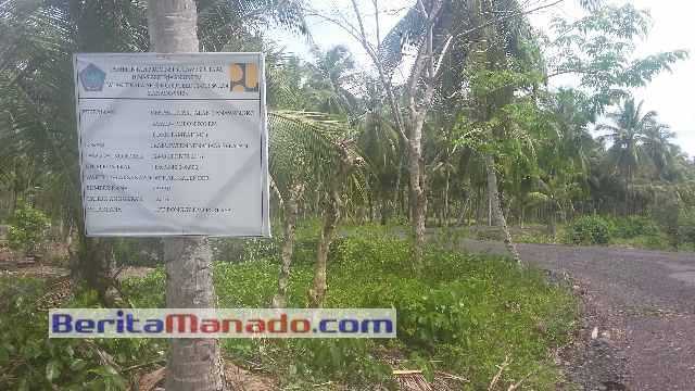 Proyek Jalan di Desa Bajo Kecamatan Tatapaan