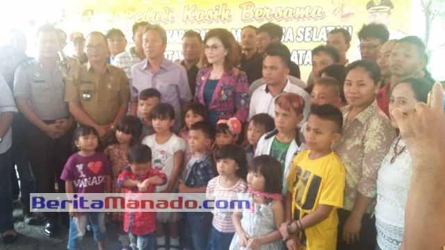 Tetty Paruntu dan Franky Wongkar Saat Bersama Anak Panti Asuhan Gideon