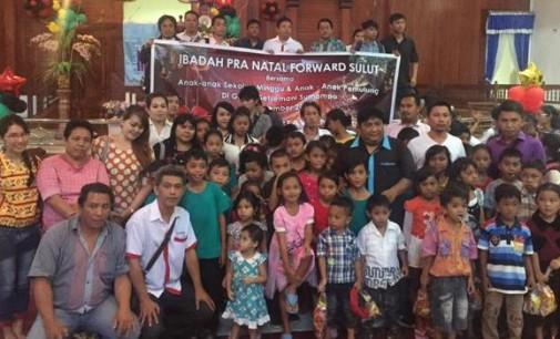 Ibadah Natal Wartawan Dewan Sulut: Anak-Anak Sekolah Minggu dan Pemulung Doakan Korban Gempa Aceh
