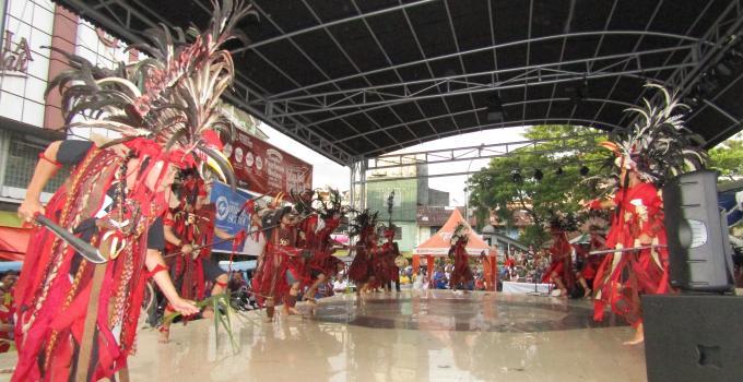 Tarian Kabasaran adalah budaya asli masyarakat Minahasa patut dilestarikan