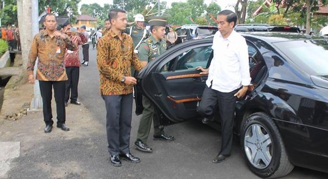 President RI Ir Joko Widodo saat tiba di Rumah Dinas Wakil Bupati Minahasa Ivan Sarundajang