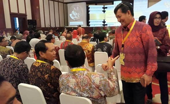 Walikota Vicky Lumentut dalam kegiatan Menteri Keuangan di Jakarta.(humas)