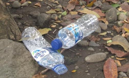 Atasi Sampah Plastik, SONNY TADJURE Usul Ini kepada VICKY LUMENTUT