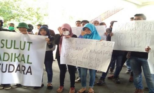 Mahasiswa Muslim Sulut Demo Minta FPI Dibubarkan