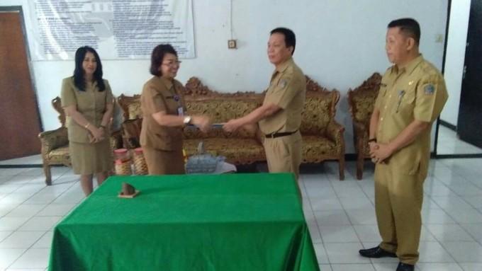 Serah terima jabatan Sekretaris DPRD Kota Bitung