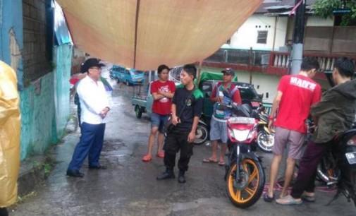 YONGKIE LIMEN Turun ke Lokasi Banjir Kampung Tubir