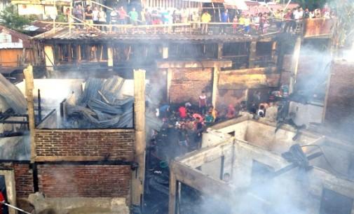 Astaga !!! Kebakaran Hanguskan Panti Asuhan Dan Rumah di Kombos
