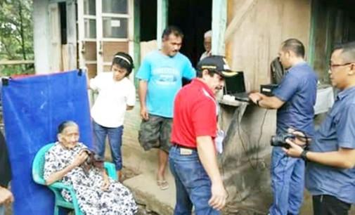 Perekaman e-KTP, Manula dan Cacat Fisik di Mitra Dapat Pelayanan Khusus
