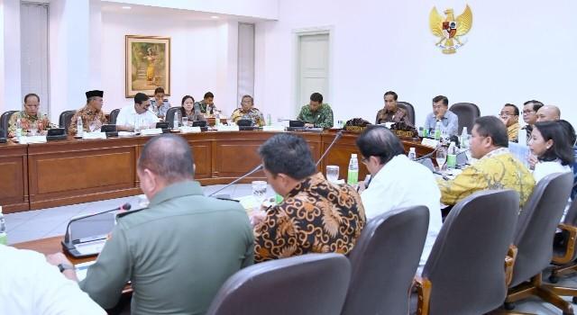 Rapat terbatas kabinet Jokowi-Jusuf Kalla