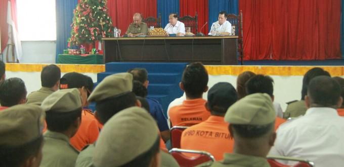 Walikota ketika membuka rapat kerja SP3P
