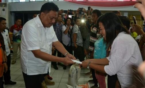 Bencana Bitung, Ratusan KK Terima Rp1 juta dari Gubernur