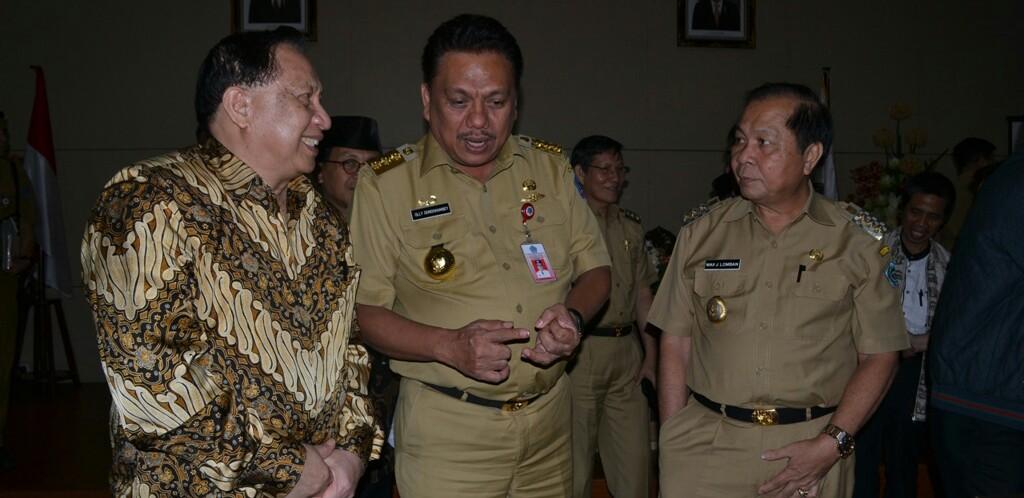 Walikota Bitung bersama Gubernur dan anggota DPR RI