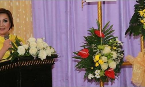 Ibadah di Tiga Gereja, Syerly Sompotan Sumbang 35 Juta