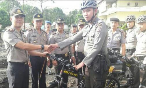 Kapolres Tomohon Serahkan 10 Sepeda Patroli