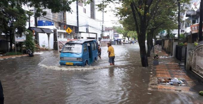Sistem drainase terpadu akan mencegah genangan air tinggi ketika hujan deras