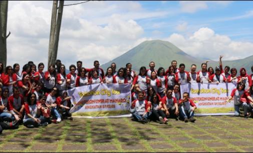 Alumni Fekon Unsrat City Tour di Kota Tomohon