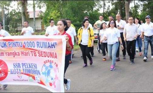 Jalan Sehat Warnai Peringatan Hari TB di Kota Tomohon