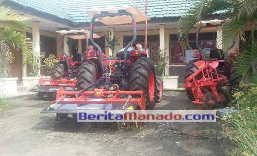 Traktor Dikelola BP3K, Frans Tilaar: Masyarakat Minsel Dapat Memanfaatkannya
