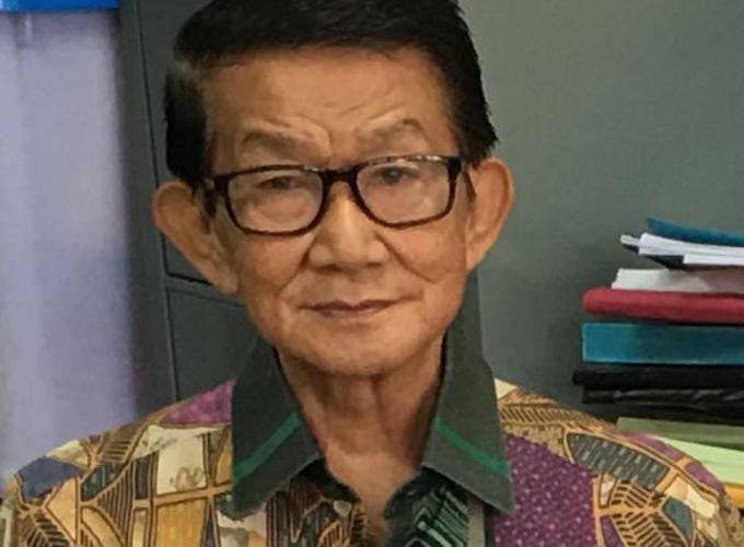 Prof Jan Lombok
