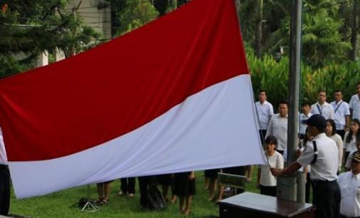 Upacara Bendera Universitas Sam Ratulangi