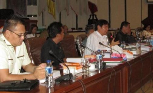 Di Rapat LKPJ Gubernur, PDT DENNY SUMOLANG Minta Pemerintah Lakukan Verifikasi