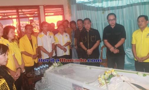 Keluarga Besar Partai Golkar Ibadah Penghiburan di Rumah Lucky Wuwungan