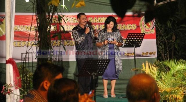 Brigjen TNI Sulaiman Agusto dan istri