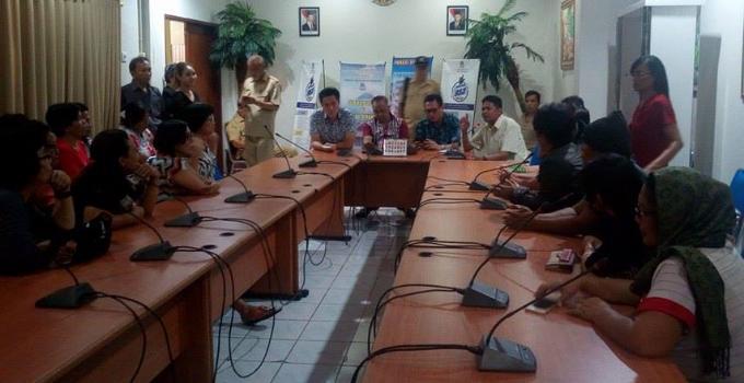DPRD Manado ketika menerima aspirasi masyarakat Banjer