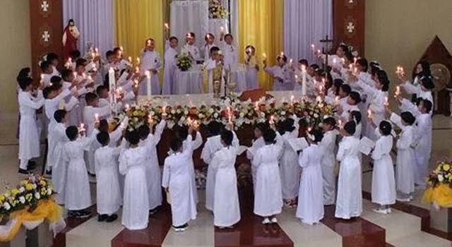 Anak-anak Ini Tampil Bagaikan Biarawan dan Biarawati ...