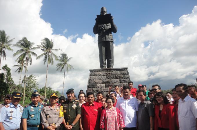 Jalan Soekarno dari persimpangan patung Soekarno segera terkoneksi ke ringroad II