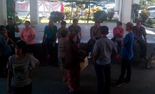 Masyarakat Kembali Datangi DPRD Pertanyakan Bantuan Korban Banjir Pemkot Manado