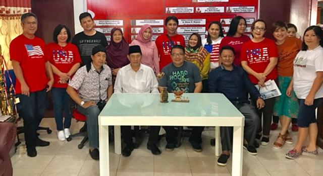 Pengurus Kerukunan Keluarga Jaton Indonesia bersama Disbudpar Minahasa