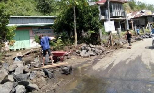 Warga Ingatkan Proyek Drainase di Tombatu Jangan Asal Jadi