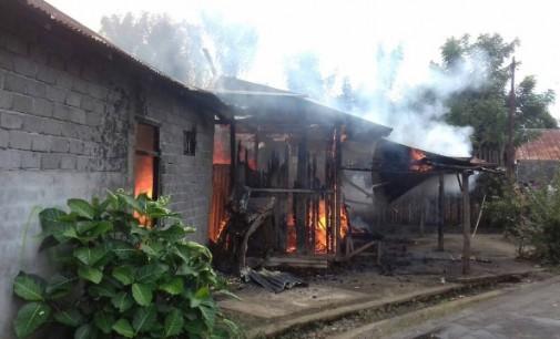 Hah !!! Api Hanguskan Rumah di Kawangkoan Minsel