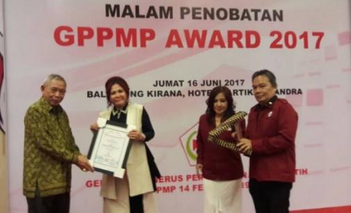 Bupati VONNIE PANAMBUNAN Raih Penghargaan GPPMP Award 2017