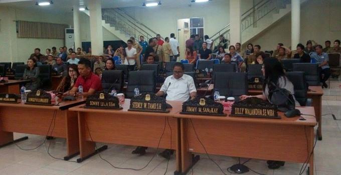 Di ikuti seksama anggota DPRD Manado