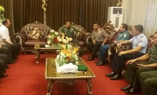 Panglima GATOT NURMANTYO Injakkan Kaki di Manado
